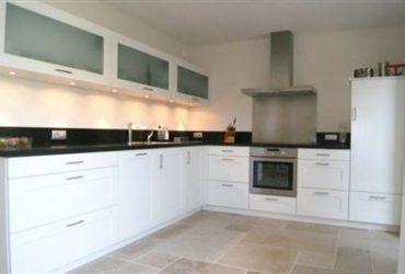 handgemaakte-keuken-modern-370x250