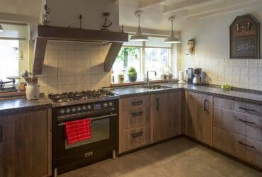 landelijk houten keuken