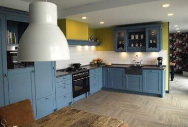 blauwe keuken showroom